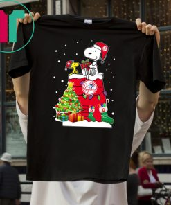 New York Yankees Snoopy And Woodstock Christmas Shirt