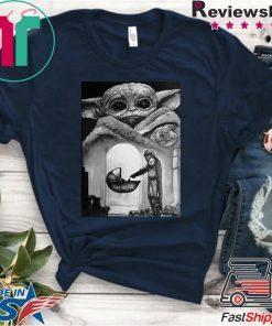 A Bountiful Baby Yoda In Mandalorian T-Shirt
